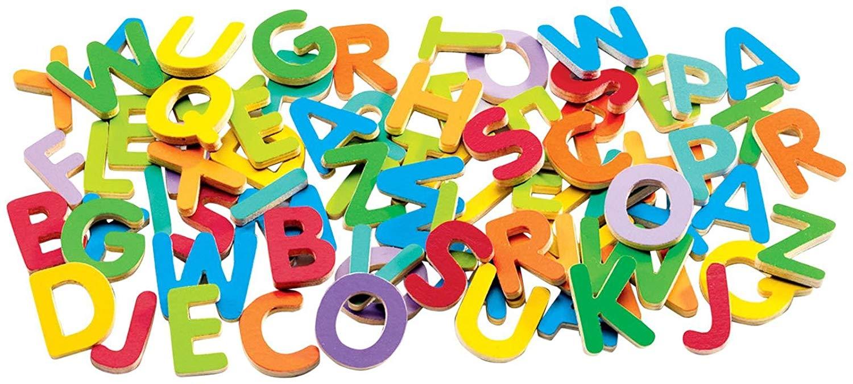 83 lettres majuscules magnétiques en bois
